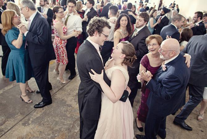 Прилично ли если жена танцует с чужим мужчиной много раз
