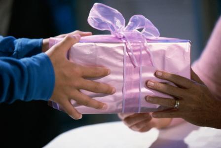 что подарить родителям невесты при знакомстве